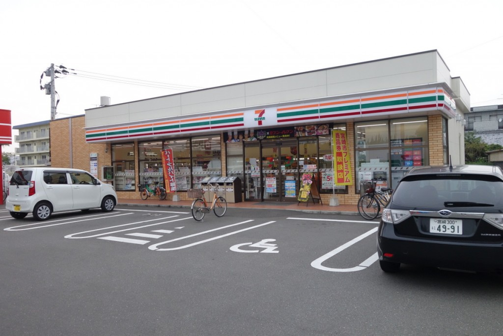 セブン-イレブン宮崎堀川町店のドーナツ3種